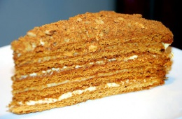 Нежный и низкокалорийный медовый торт от «Академии вкуса»
