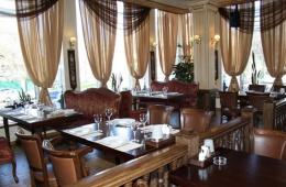 Пафосный московский ресторан «Денис Давыдовъ»