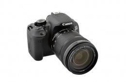 Зеркальная камера от Canon