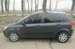 Hyundai Getz - маленький снаружи, но просторный внутри.