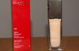 Увлажняющий тональный крем, придающий коже сияние с SPF 10 Clarins Skin Illusion