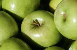 «Гренни Смит» - очень популярная зеленая разновидность яблок