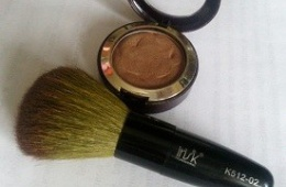 Удобный аксессуар для ежедневного макияжа