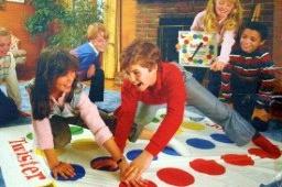 Занимательная и веселая игра «Твистер»