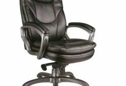 Надежные компьютерные кресла в офис и домой