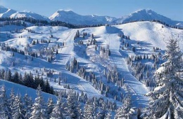Заснеженный курорт во французских Альпах Les Gets