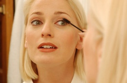 Универсальное средство для макияжа глаз