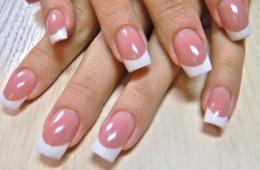 Наращивание ногтей - отличное решение маникюра для многих девушек