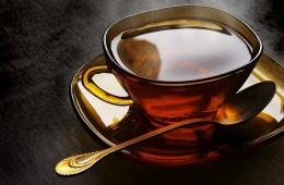 Мой день начинается с чашки крепкого черного чая