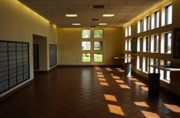 Современный потолок для общественных зданий