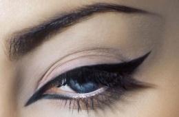 Очень тонкая линия для естественного макияжа