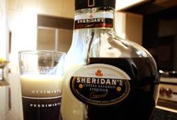 Ликер Sheridans–  аромат дня и ночи в одном флаконе