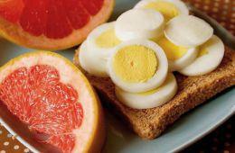 Однообразное меню грейпфрутовой диеты увеличивает вероятность срыва