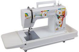 Хорошая, функциональная швейная машинка