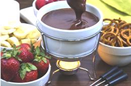 Шоколад + фрукты + фондюшница = удовольствие