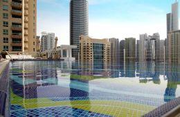 Хороший недорогой отель в Дубай Марине c отличными номерами и бассейном на крыше