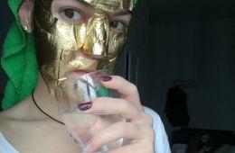 Красивая, эффективная наполняющая тканевая маска с эффектом сауны