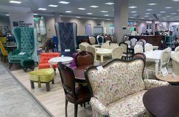 Огромный центр с большим выбором мебели