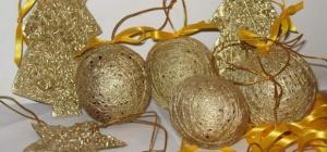 Как сделать елочные шары из ниток своими