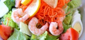 Как приготовить вкусные салаты из кальмара