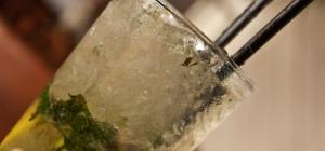 Как пить белый ром