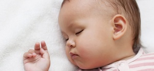 Как приучить младенца спать