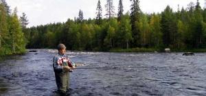 Как выбрать непромокаемую одежду для рыбалки