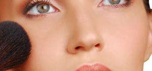 Как освежить макияж