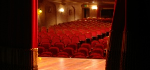 Как поступить в театральный институт