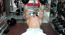 Как накачать быстро грудные мышцы в домашних условиях