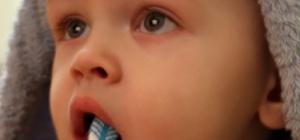 Как чистить зубы малышу