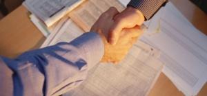 Как оформить передачу документов доверенному лицу