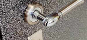 Как установить стальные двери