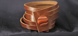 Как сделать кожаный браслет