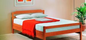 Как поставить кровать в комнате
