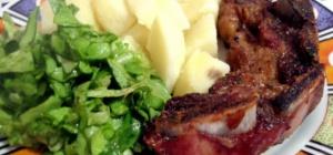 Как приготовить свинину на косточке