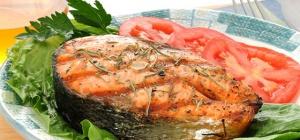 Как запечь красную рыбу в духовке