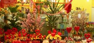 Как оформить цветочный магазин