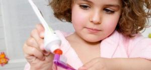 Как заставить чистить зубы