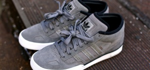 How to clean grey suede