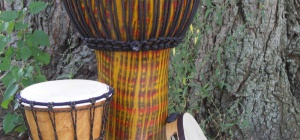 Как играть на африканских барабанах