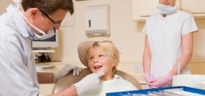 Как выдернуть зуб ребенку