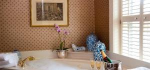 Как избавиться от налета в ванной