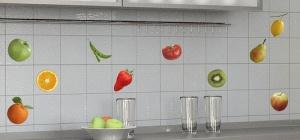 Как наклеить плитку на кухне
