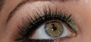 Как накрасить глаза тушью