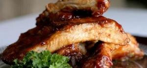 Как приготовить свиные ребрышки с соусом