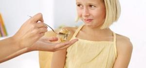Как научить ребенка есть полезную пищу