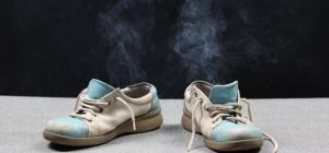 Как устранить запах на ногах