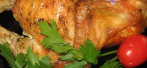 Как приготовить сочную курицу в рукаве