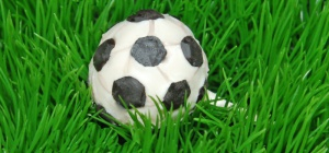 How to make a cake in the shape of a soccer ball